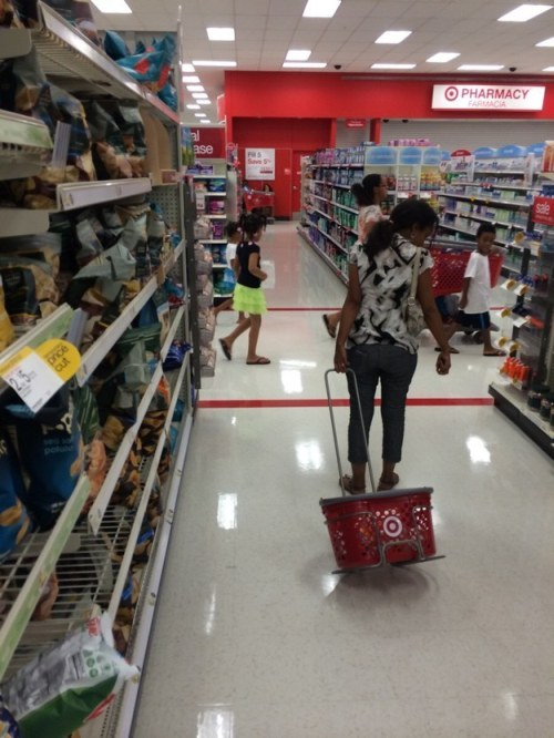 Shoppers Who Have No Idea How To Use Shopping Baskets