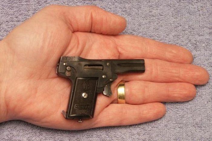 The World's Smallest Semi Automatic Pistol