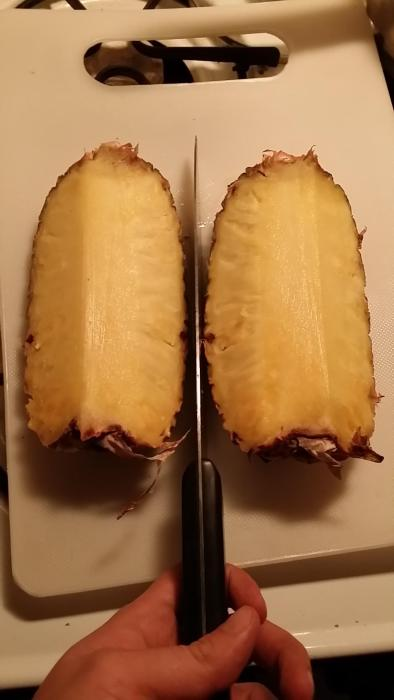 The Best Way To Cut A Pineapple