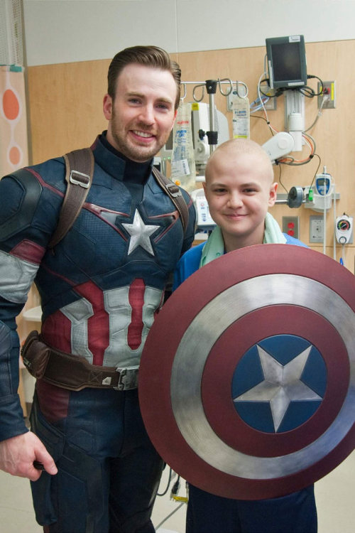 Chris Pratt And Chris Evans Are Real Life Heroes At The Children's Hospital