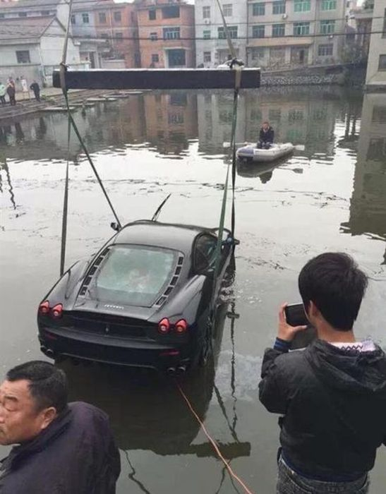 Well That's One Way To Destroy Your Ferrari F430