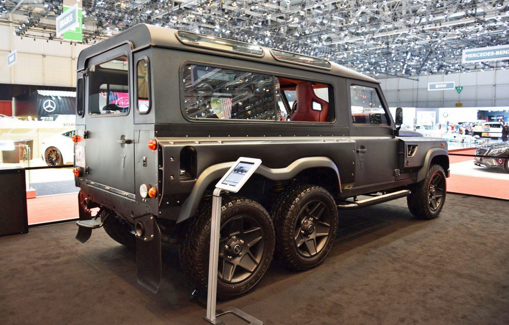 Mercedes-Benz G-class VS Land Rover Defender | Vehicles