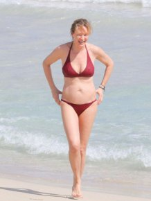 Uma Thurman Hangs Out In A Bikini On The Beach In Saint Barthelemy