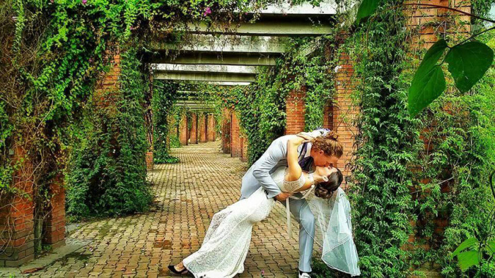 Acrobat Couple Gets Married 38 Times In 38 Different Places