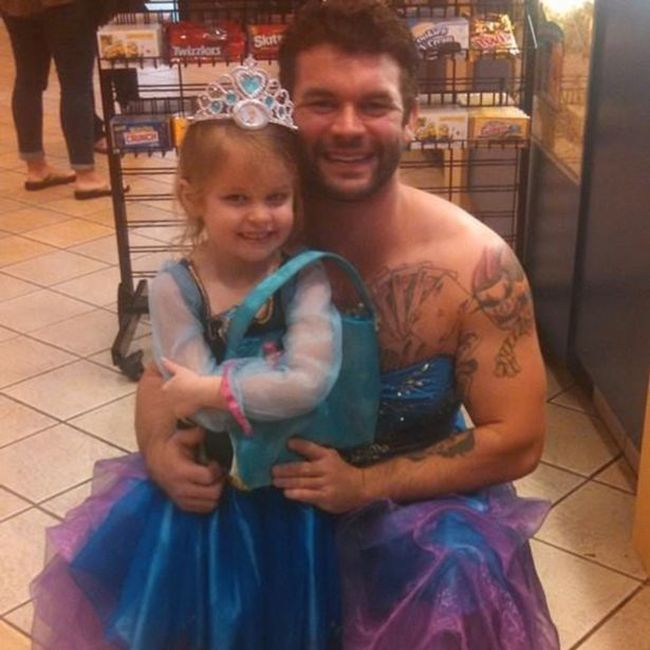 Uncle Wears Princess Costume To The Movie Theater To Comfort His Niece