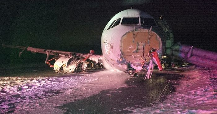 Air Canada Plane Crash Lands And Leaves 25 Injured
