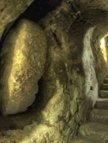 Man Knocks Down Wall And Finds An Underground City Beneath His House