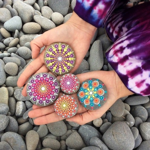 Artist Creates Amazing Mandalas By Painting Ocean Stones