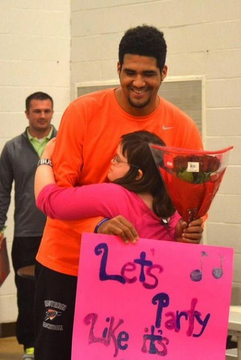 High School Basketball Player Asks Girl With Down Syndrome To Prom