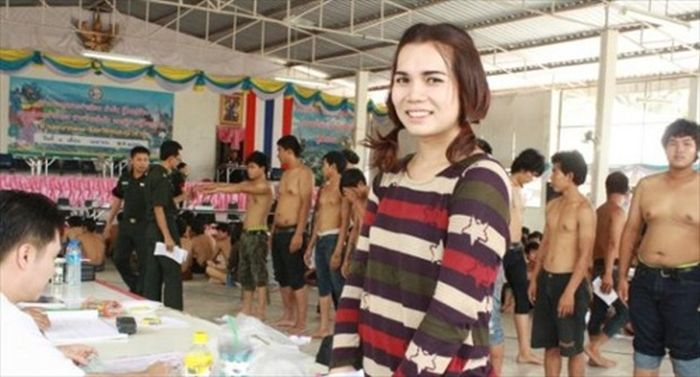 Photos From The Military Recruitment Center In Thailand