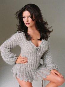Catherine Zeta Jones Is An Ageless Beauty