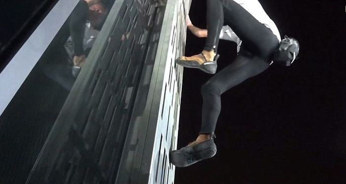 This Real Life Spider-Man Climbed Dubai's Twisted Tower