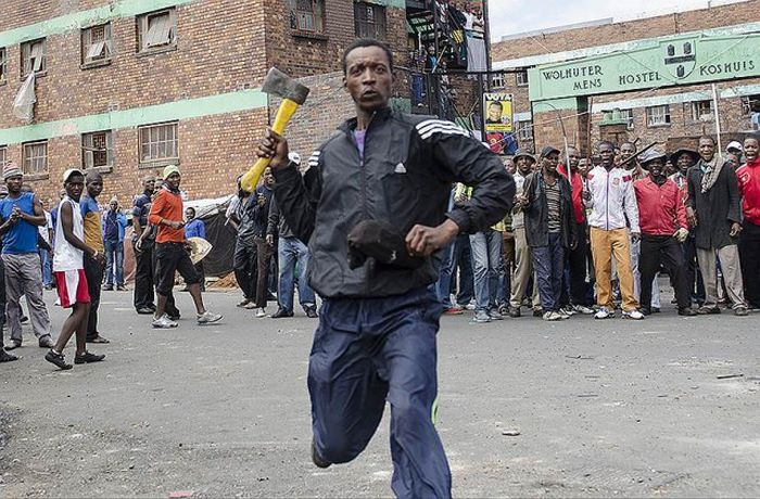 Angry Mobs Attack Stores Owned By Immigrants In Johannesburg