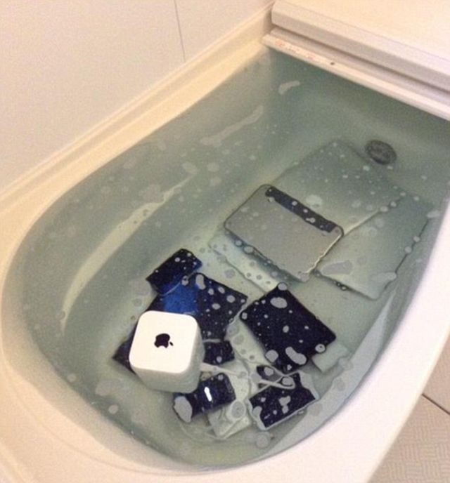 Apple Collection Gets Thrown In A Bathtub By Angry Girlfriend
