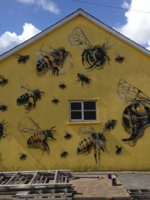 Street Artist In London Paints Bee Murals To Help Raise Awareness