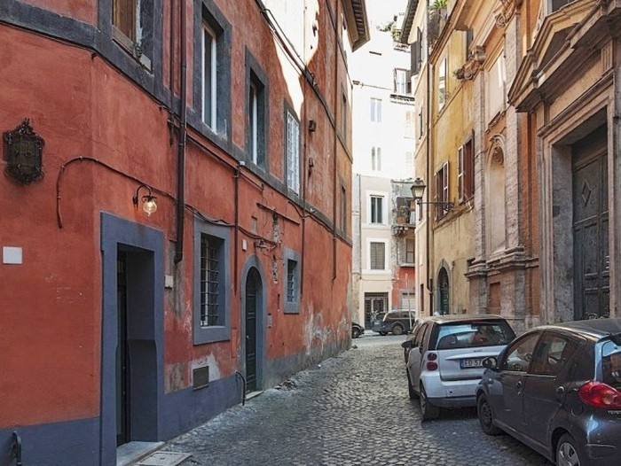 This Tiny Apartment In Rome Has Everything You Need