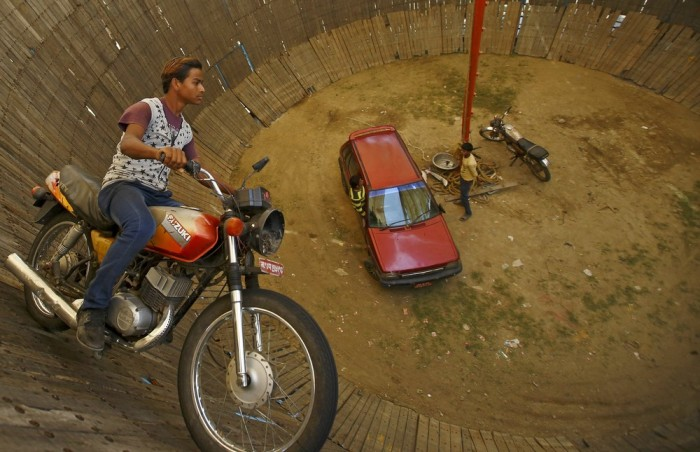 The Well Of Death In Nepal Is An Extreme Attraction