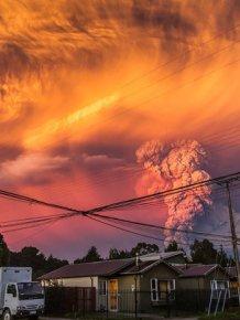 Stunning Photos Of Chile's Calbuco Volcano Erupting