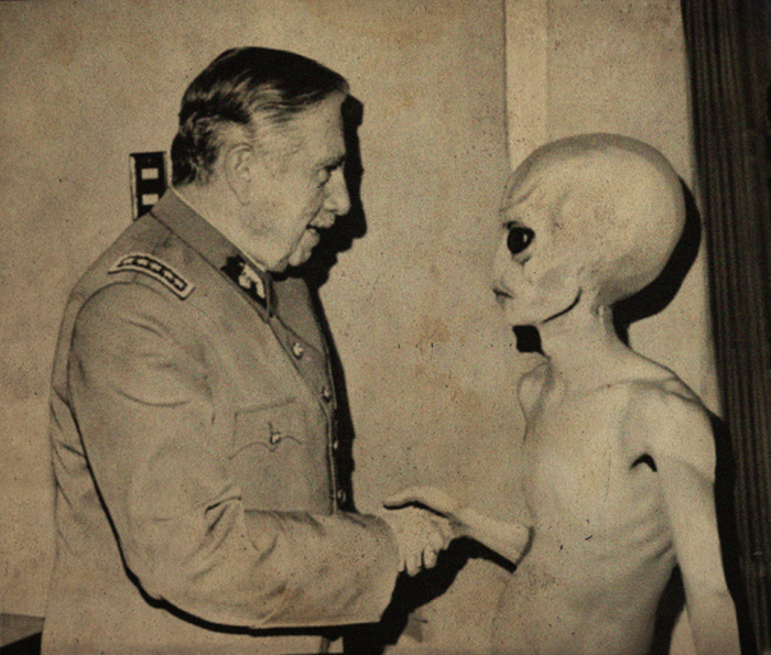 essay aliens real Until actual alien technology is found (that has a function or material composition unachievable with human technology), an alien is actually detained, or video of aliens is taken that could not have been forged using computer generated imaging, it is wise to remain skeptical of stories about aliens.