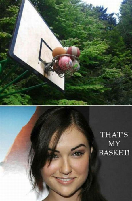 Pictures That Captured Awesome And Awkward Moments