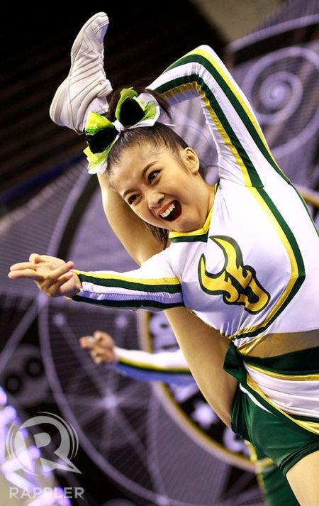 When Cheerleaders Make Awkward Faces