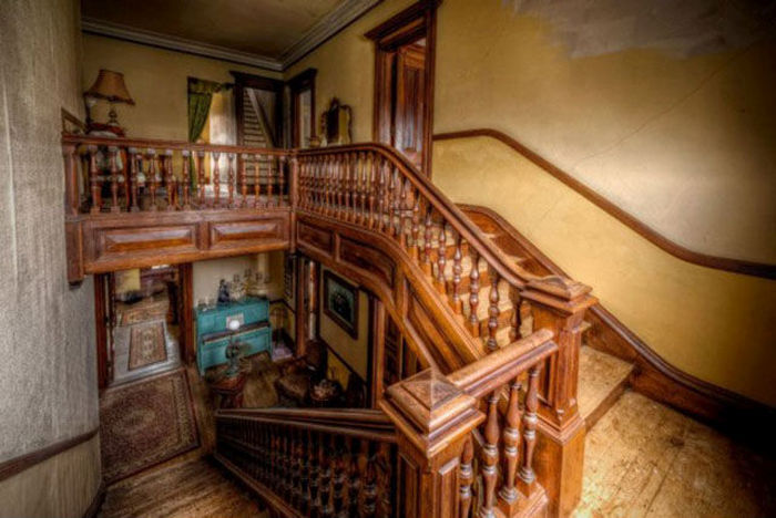 Find Out Why No One Wants To Buy This Beautiful Mansion