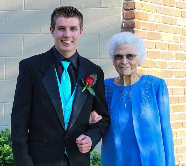 This Indiana Teen Took His 93 Year Old Grandmother To Prom