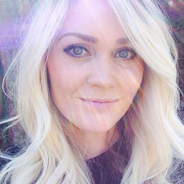 Woman Shows The Dangers Of Tanning With Graphic Selfie