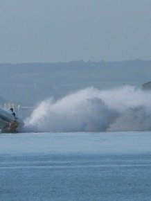 Speedboat Flips Over And Injures Several People During A Test Run