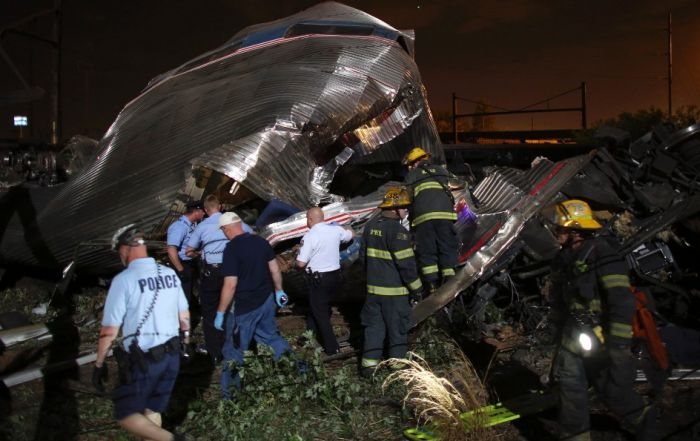 Shocking Photos From The Recent Amtrak Crash In Philadelphia