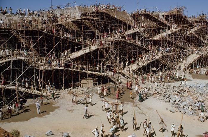 10 Giant Sized Historical Photos