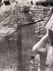 10 Giant Sized Historical Photos