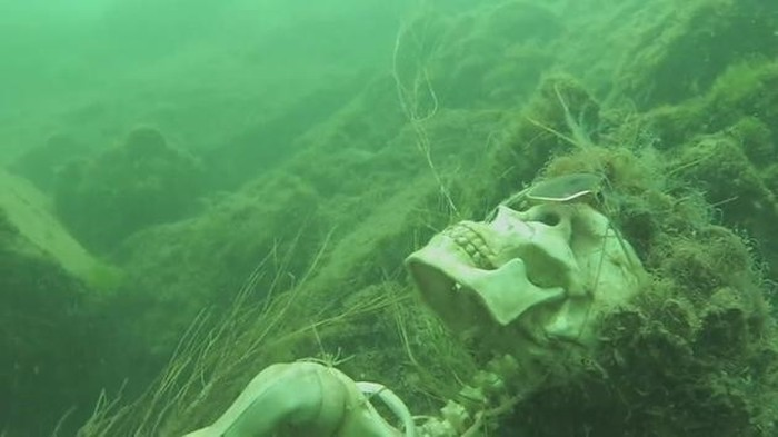 Man Finds Something Crazy In The Colorado River