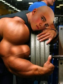 Photoshopped Muscle Fails That Aren't Fooling Anyone