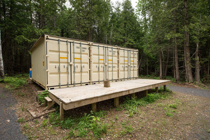 You Would Never Guess There's A Cabin In These Containers