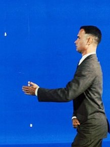 Tom Hanks Shakes Hands With John F. Kennedy On The Set Of Forrest Gump