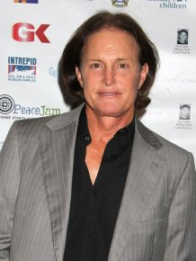 Bruce Jenner Stuns The World As Caitlyn Jenner Poses For Vanity Fair