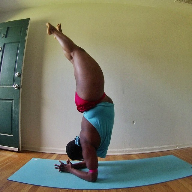 Plus Sized Woman Proves You Can Do Yoga With Any Body Type