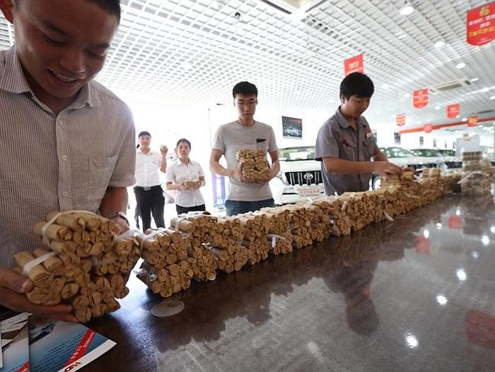 Man Purchases A New Car Using $140,000 In Coins