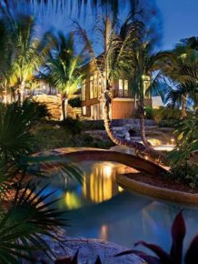 This Seafront Mansion In Florida Is Absolutely Stunning