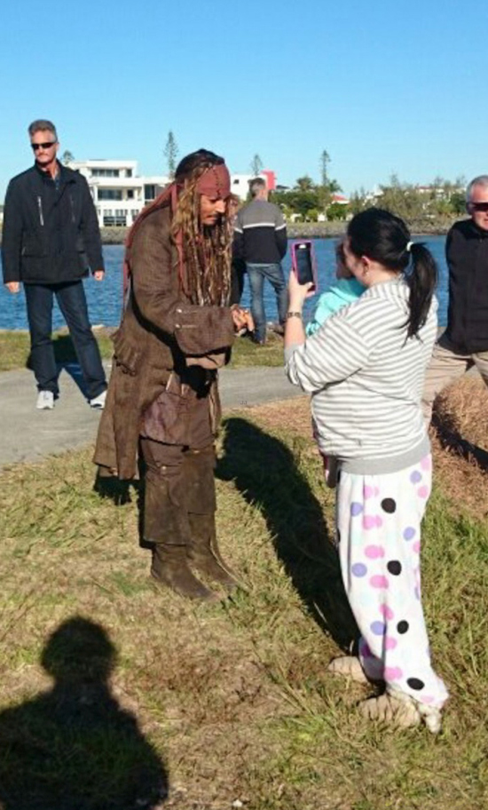 Johnny Depp Takes Time To Meet Fans While Dressed As Jack Sparrow