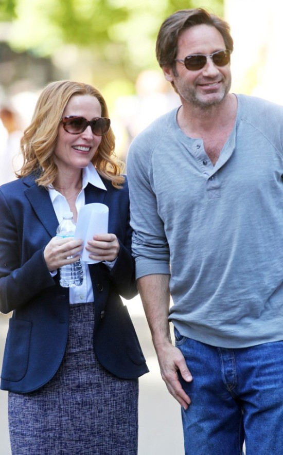 First Photos Of Mulder And Scully Together Again On The X-Files Set