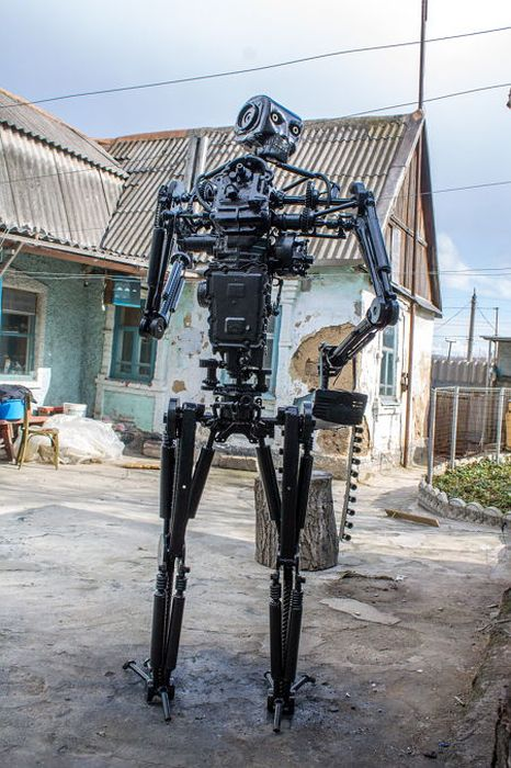 Man Builds A Real Life Terminator T-800 Replica
