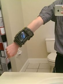 Fan Makes Working Replica Of The Pip-Boy 3000 From Fallout