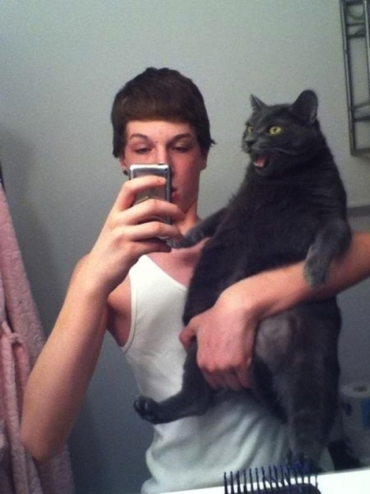 Animals That Clearly Don't Want To Be A Part Of Your Selfie