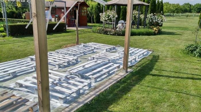 How To Make A Beautiful Backyard Patio Using Pallets