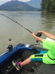 9 Year Old Boy Catches Giant 600 Pound Sturgeon