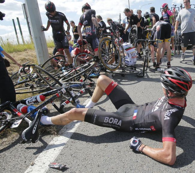 20 Riders Taken Down During Tour De France Crash