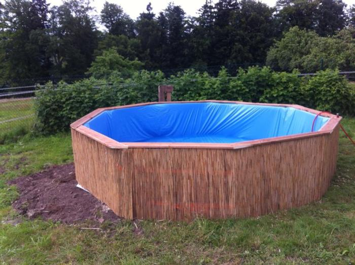 How To Build Your Own Swimming Pool Out Of Pallets | Others