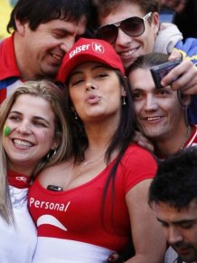 Sexy Female Fans of Copa America